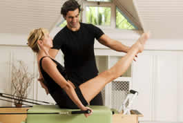 Personal trainers use online appointment scheduling
